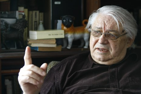 Scriitorul Nicolae Breban acorda un interviu pentru ziarul Adevarul, la locuinta sa din Bucuresti, marti, 17 septembrie 2013. (Eduard Enea)